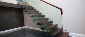 Frameless glass balustrade to Cantilever stairs