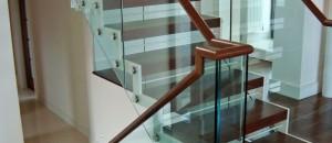 Equilibrium Multi-Level Open Stairs