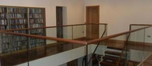 frameless glass balustrade open plan stairs